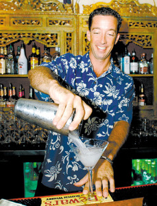 Joe Felix prepares a martini at Indigo. Photo by Rebecca Breyer • The Honolulu Advertiser